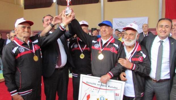 Yetişkin Gençler Bocce Turnuvasında şampiyon Uşak