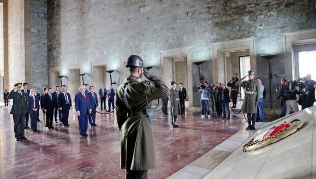 ABD Dışişleri Bakanı Rex Tillerson Anıtkabiri ziyaret etti