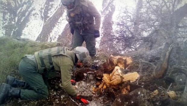 Tuncelide PKKlı teröristlere ait Doçka silahı ele geçirildi