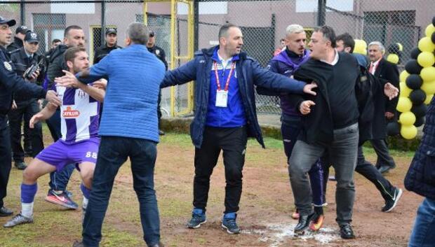 Amatör Lig maçında kulüp başkanı futbolcuyu tokatladı