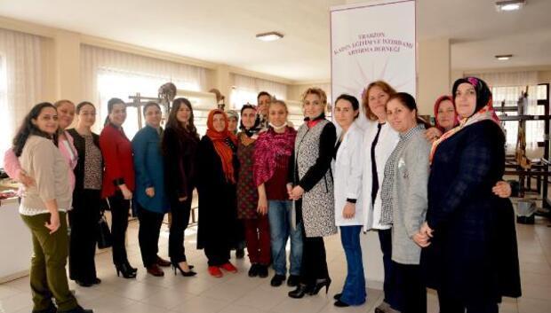 Şengül Yavuz, kadınların üretim atölyesinde