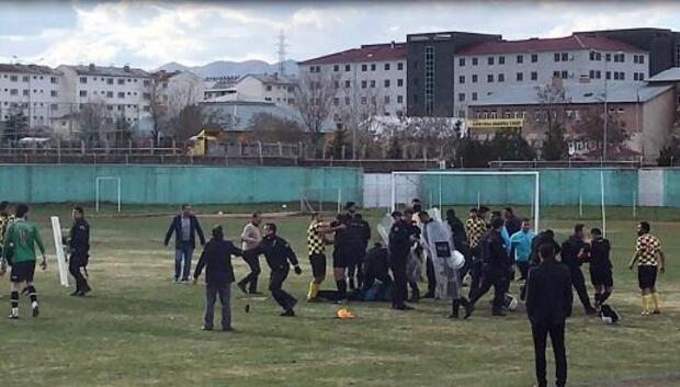 Amatör maçtaki olaya polisten biber gazlı müdahale