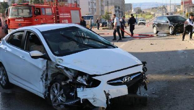 Kahtada otomobiller çarpıştı: 2 yaralı