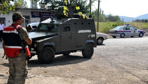 Jandarma aranan 61 kişiyi yakaladı