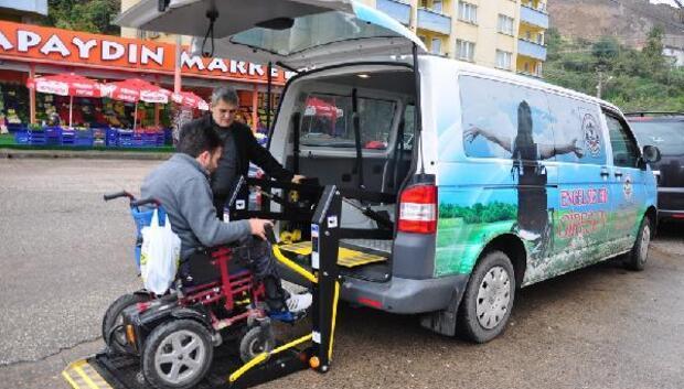 Referandum oylamasında yaşlı ve engelliler için belediye araçları görevlendirildi