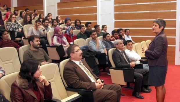Üniversiteli olmak konulu seminer
