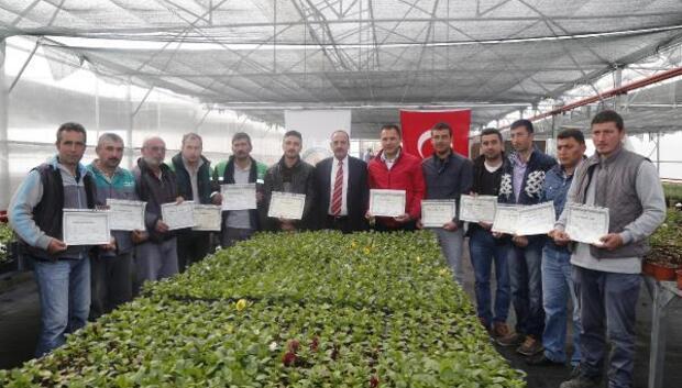Belediyeci işçilere Ustalık-Kalfalık İşyeri açma belgesi