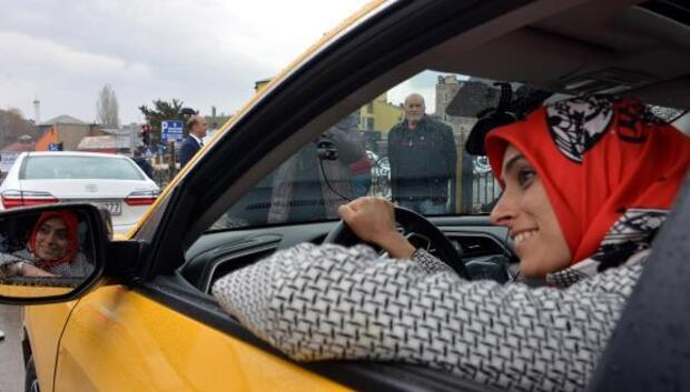 AK Partili Taşkesenlioğlu, takside Eveti anlattı