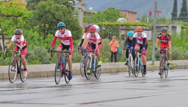 Okullar bisiklet il birinciliği için yarıştı