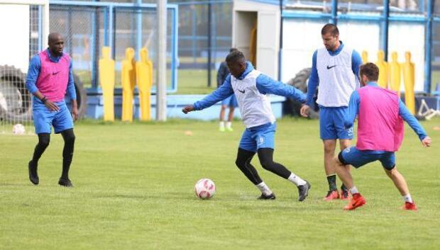 Adana Demirspor taktik maçı yaptı