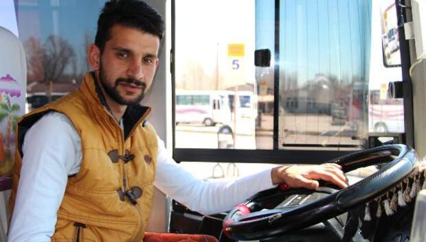 Halk otobüsü şoförü bayılan yolcuyu hastaneye yetiştirdi