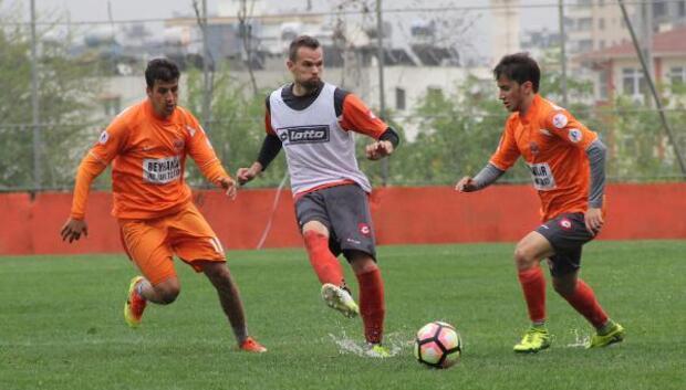 Adanaspor, U21 takımı ile hazırlık maçı yaptı