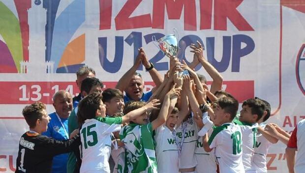 İzmir Cupta şampiyon Bursaspor