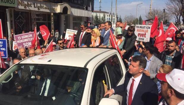 Bakan Eroğlu evet yürüyüşüne katıldı