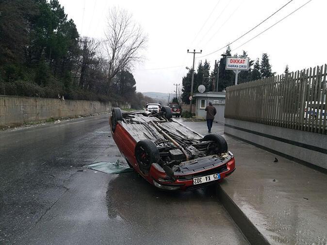 Patron çıldırdı... Araçları yola fırlattı