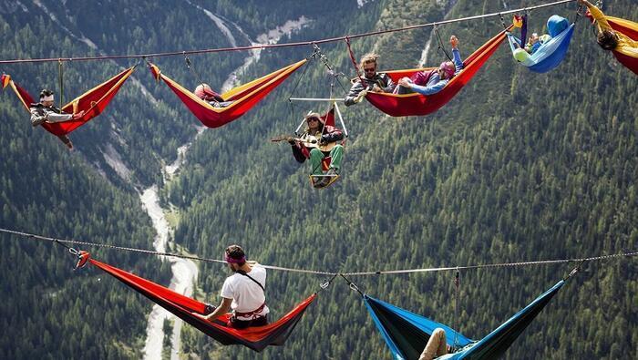 Gökyüzünde hamak kurduran festival: Highline Meeting / İtalya