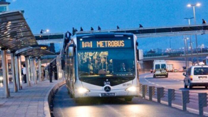 Metrobüste taciz iddiası ortalığı karıştırdı