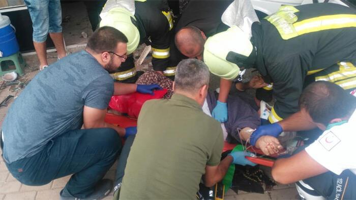 Denizli'de dükkanının önünde oturduğu sırada otomobil çarpan esnaf hayatını kaybetti. ile ilgili görsel sonucu