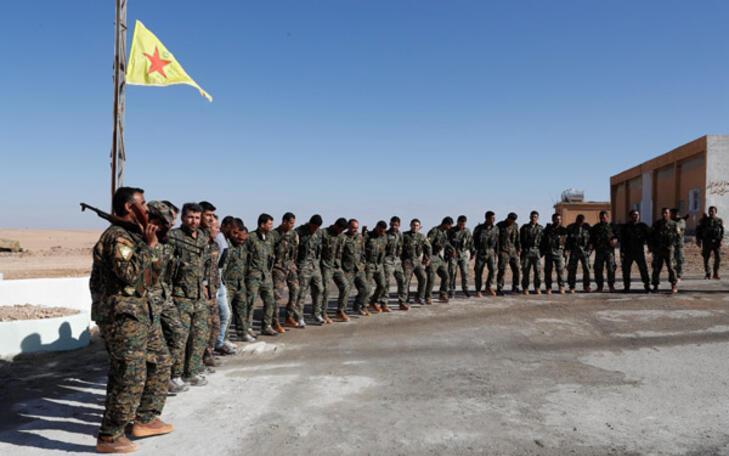 Türkiye sınırında skandal görüntü YPG tören yaptı