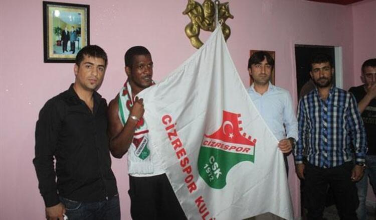 f861e42cf Türkiye de daha önce Antalyaspor ve Boluspor gibi takımlarda oynayan Serge  Djiehoua