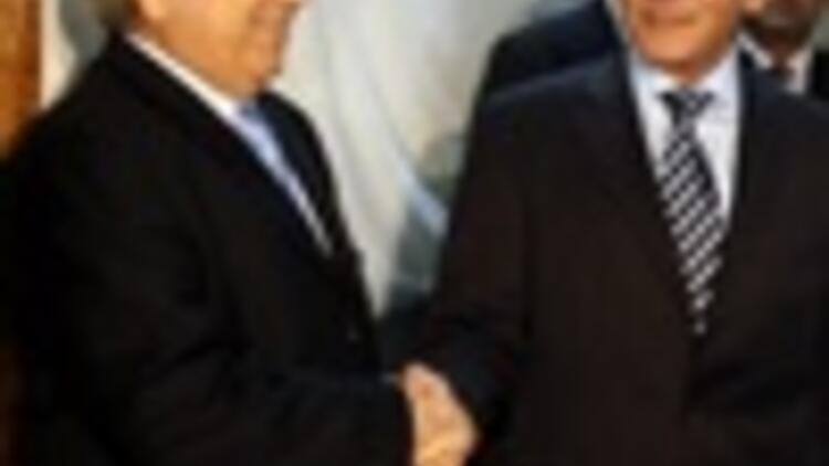 Cypriot leaders meet amid signs of flagging momentum