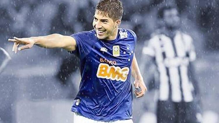Real Madrid Lucas Silva'yı transfer etti
