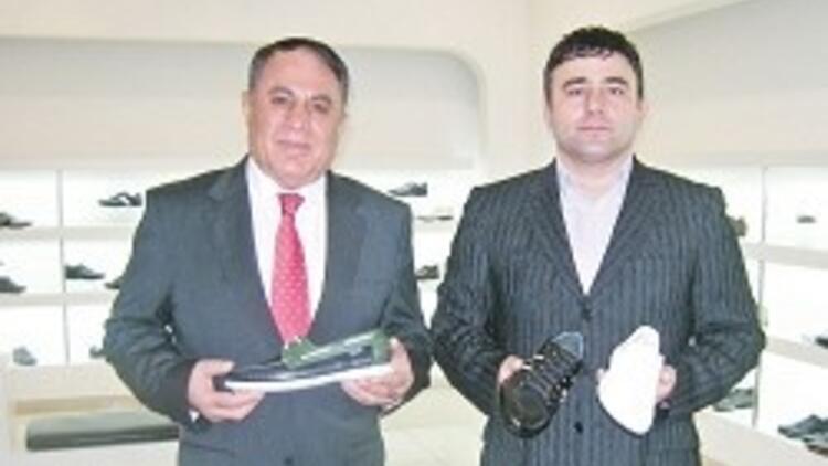 3a95917e304a6 Adıyamanlı ilkokul öğretmeni Mehmet Kaban'ın Gedikpaşa'da 'Timberland'  benzeri ayakkabı üreterek başlayan girişimcilik öyküsünden 8 mağazalı, ...