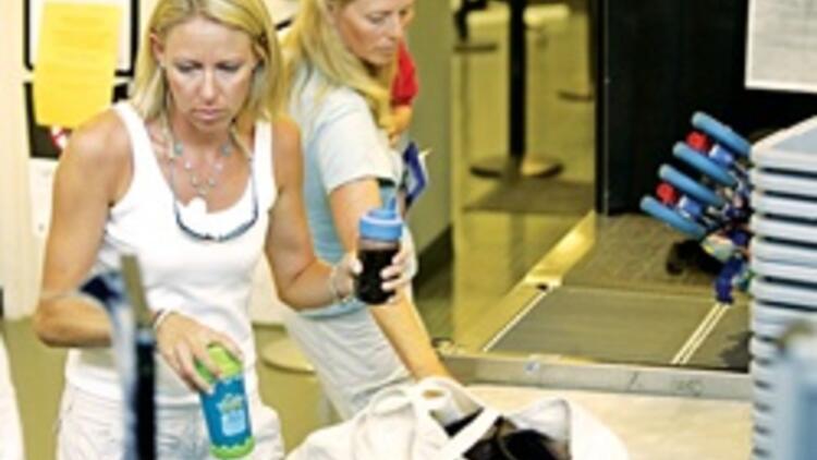 ce637e6590086 Hava yolu ile seyahat eden yolcuların el bagajlarında taşıyabilecekleri  sıvılara getirilen kısıtlamaya dondurma ile tereyağı da eklendi.