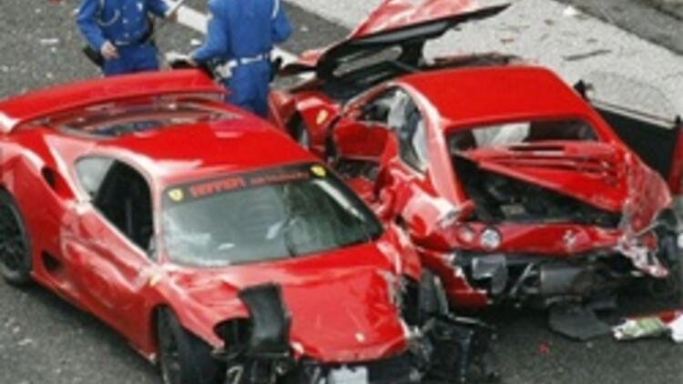 Dünyanın En Pahalı Araba Kazası Son Dakika Haberler