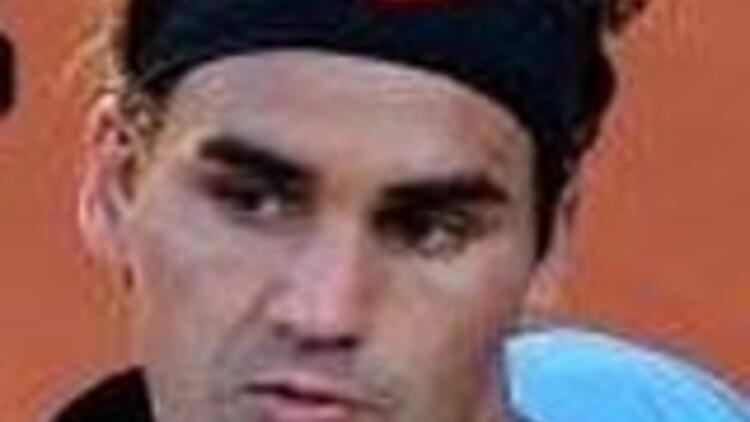 Federer 4. tura yükseldi 27