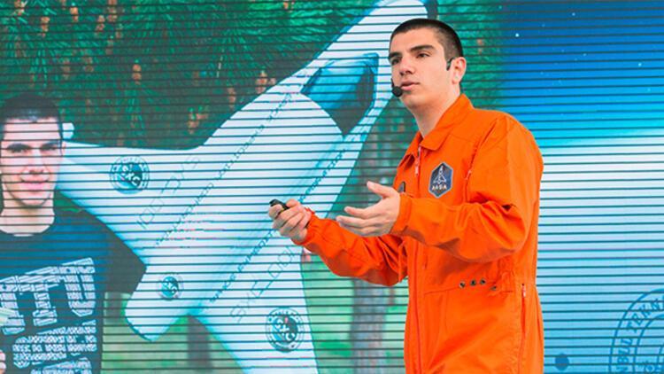 Uzaya Gidecek Ilk Türk Halil Kayıkçı Bilime Meraklı çocuklarla