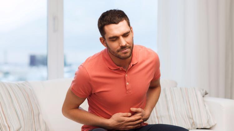 Boğazda mide ekşimesi: nedenleri, tedavisi ve sonuçları