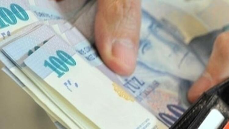 DİSK: Asgari ücret net 2 bin 300 lira olmalı