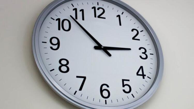 Türkiyede şuan Saat Kaç Türkiyede Saatler Ileri Alınacak Mı