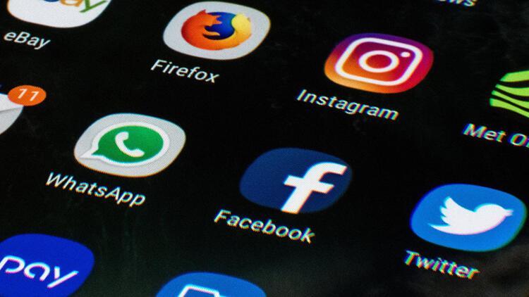 Facebook ve Twitter ABD Kongresini ikna edemedi 53