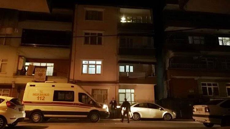 Şüpheli ölüm! Yaşlı kadın evinde iple tavana asılmış halde bulundu