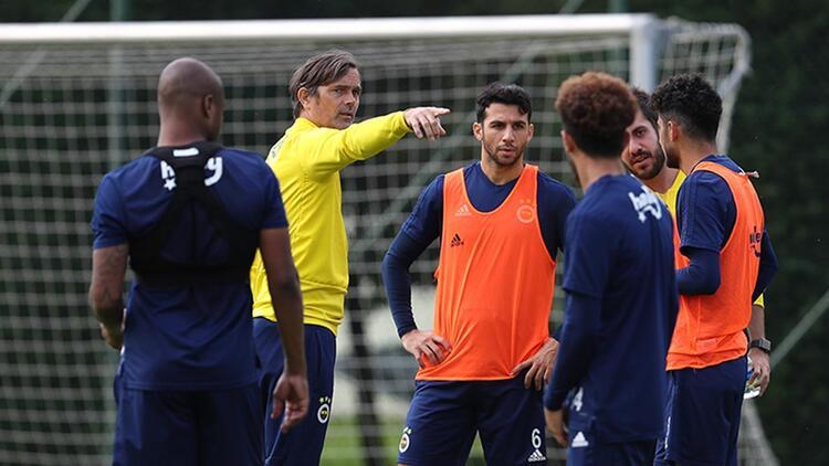 Fenerbahçe, Sivasspor maçı hazırlıklarını çift idmanla sürdürdü