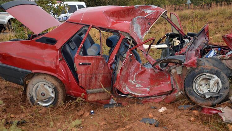 Korkunç kaza! Bir aile yok oldu, şoför kaçtı...