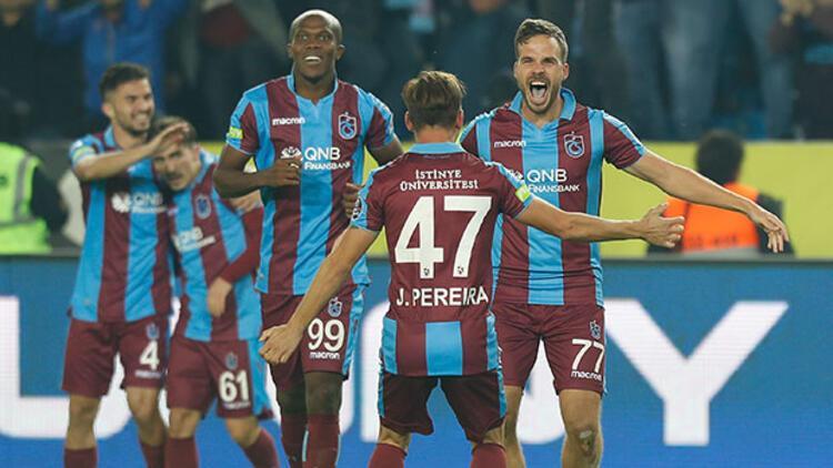 Trabzonspor, Fenerbahçeyi 8 yıl sonra 2-1 mağlup etti 52