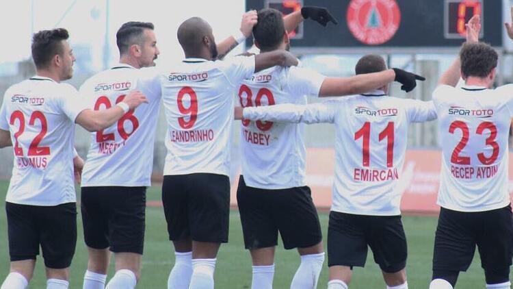 Ümraniyespor, Trabzonspor'u ağırlıyor! Yarı final için...