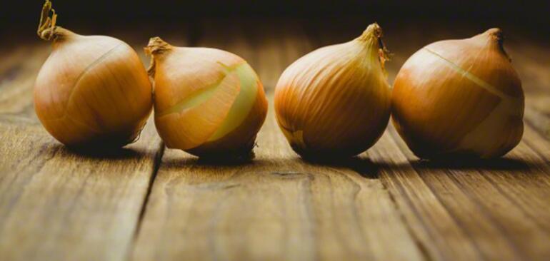 Soğan suyunun inanılmaz faydaları