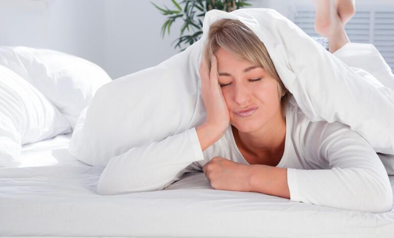 Kadınlarda artan gece terlemeleri: nedenleri