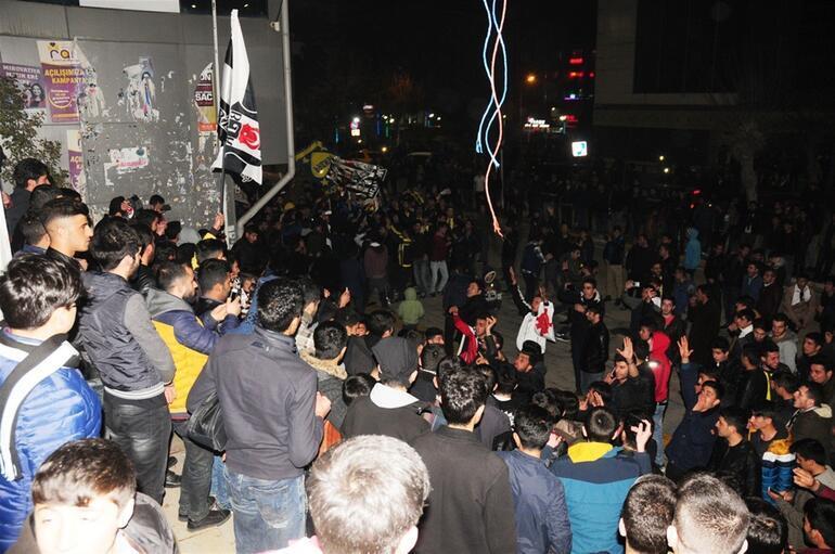 Fenerbahçe - Beşiktaş Maçının Ardından Taraftarlar Birbirine Girdi 2