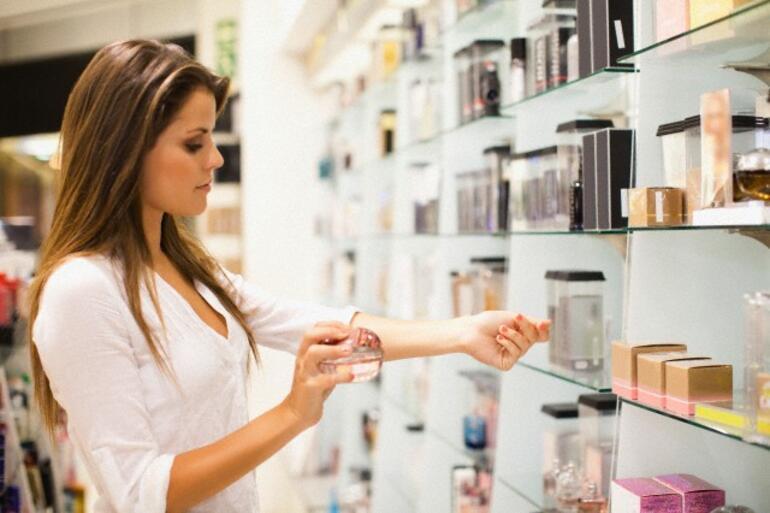 parfüm seçmek ile ilgili görsel sonucu