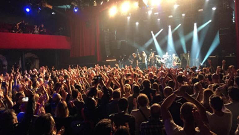 Sting, terörün hedefi olan Bataclan'da konser verdi