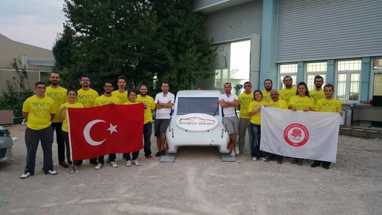 Türk öğrenciler kendi elektrikli otomobilini yaptı!