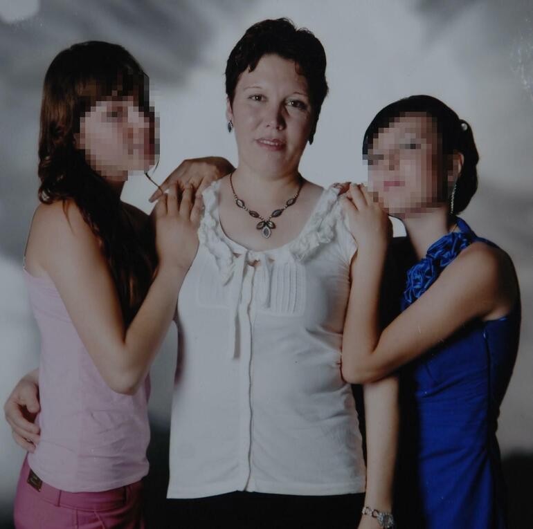 Annelerini öldüren kızlarla ilgili ilginç karar