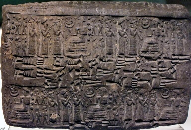 4.000 yıl önce Anadolu'da kadın hakları yazılı tabletler