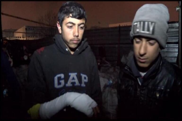 Facia ucuz atlatıldı: Esenyurt'ta hurdalık alev alev yandı