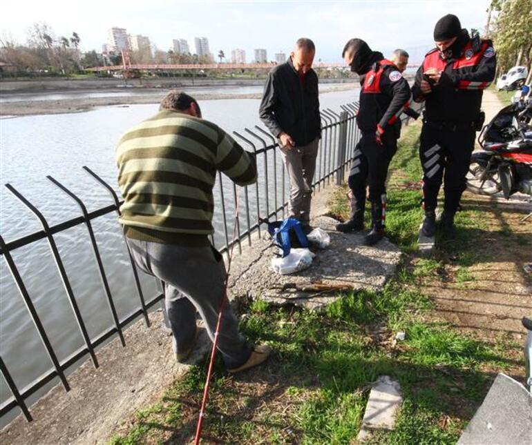 Adanada nehre olta attı, şoke oldu...